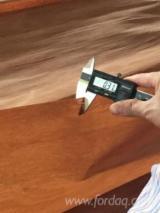 木皮供应网络 - 批发硬木木皮和热带木木皮 - 龙脑香木, 旋切