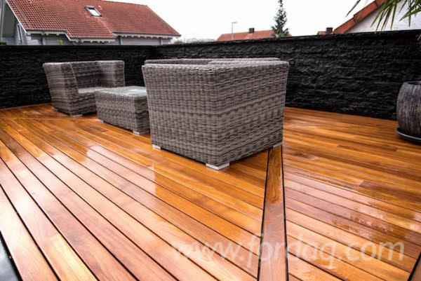 Teak-Decking-System-With-Invisible