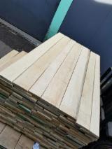 Laubschnittholz, Besäumtes Holz, Hobelware  - Bretter, Dielen, Esche