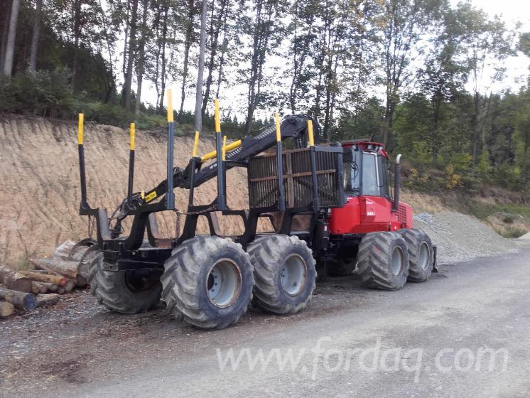 Used-Valmet-840-2--3-2002-Forwarder
