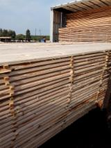 Schnittholz - Besäumtes Holz - Fichte  , Kiefer  - Föhre, 40 - 200 m3 pro Monat