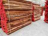 Unedged Timber - Boules importers and buyers - Beech Loose Timber A 32-65 mm