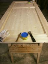 Finden Sie Holzlieferanten auf Fordaq - Europäisches Nadelholz, Türen, Massivholz Mit Anderen Endprodukten, Sibirische Tanne, Kiefer - Föhre, Sibirische Kiefer, Farbe