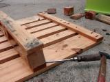 Find best timber supplies on Fordaq - Quality Double faced press wood pallet