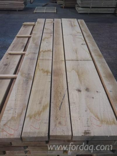 Fresh-Sawn-Oak-Planks