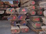 Hardwood  Unedged Timber - Flitches - Boules - KD Oak Boules, 26 mm Thick