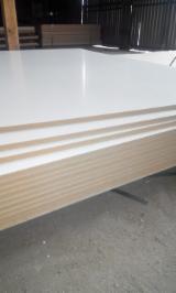 Panneaux Reconstitués Europe - Vend Panneaux De Fibres Moyenne Densité - MDF 6;  8;  10;  12;  16;  18;  19;  22;  25;  28;  30 mm