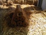Ogrevno Drvo - Drvni Ostatci Briketi Od Slame - Briketi Od Slame Rumunija