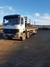 Camion - Mercedes actros platforma forestiera 8x4