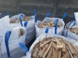 Energie- Und Feuerholz - Buche Brennholz Gespalten