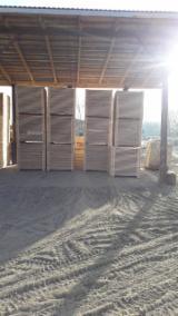 Pallet y Embalage de Madera - Madera para pallets Pino Silvestre - Madera Roja Corte Fresco En Venta