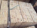Meko Drvo  Rezano Drvo - Klade Za Prodaju - Bor  - Crveno Drvo, Termički Obrađeno