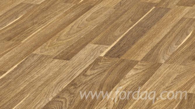 Embossed Hdf Laminated Flooring