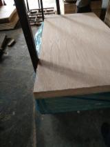 15; 18 mm Red Oak Laminated MDF Board