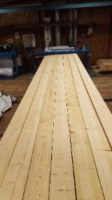 软木:锯材-板材-刨光材 轉讓 - 云杉-白色木材
