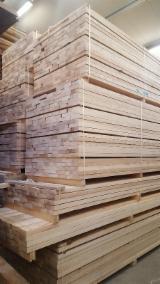Laubschnittholz, Besäumtes Holz, Hobelware  - Esche parallel besäumt 32/38/45/50mm