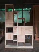 Mobilier De Interior Și Pentru Grădină Asia - Vand Dulapuri Cu Vitrină Design Rășinoase Din America De Nord Northern White Cedar in Jepara Central Java - Indonesia