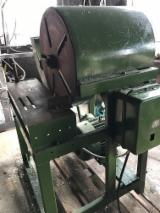 Gebraucht Bergs 2004 Messer-Schärfmaschinen Zu Verkaufen Lettland