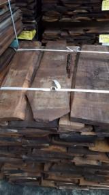 毛边材-木材方垛, 黑胡桃木
