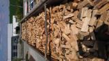 Energie- und Feuerholz - Brennholz Kaminholz Kammer trocken 20% Buche/Eiche 25 - 33 cm lose 85 SRM LKW aus deutscher Herstellung