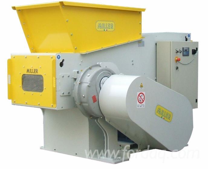 Machine-Voor-Het-Versnijden-Van-Hout-Tot-Spaanders--MILLER-SRL