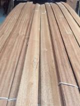 批发木皮 - 采购或销售木皮复合板 - 天然单板, 筒状非洲楝木, 向下刨平