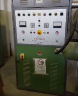 Gebraucht ELETTRONICA CAVALLO GAF 30 1996 Schichtholzpresse Zu Verkaufen Italien