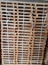 Slovakia Supplies - PEFC Fresh Beech Squares, 32 x 32 x 260-820 mm