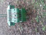 Franta aprovizionare - Vand Brat Incarcator Frontal John Deere Second Hand 2015 Franta