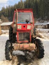 Oprema Za Šumu I Žetvu Poljoprivredni Traktor - Poljoprivredni Traktor --- Polovna Rumunija
