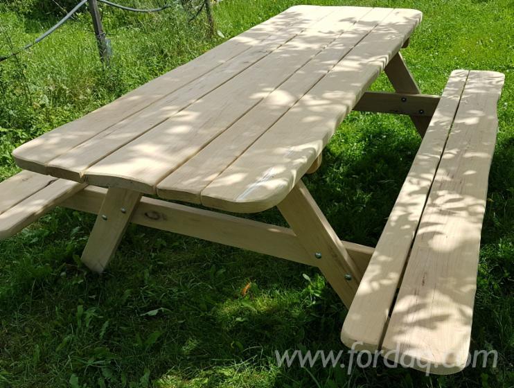 Vendo tavoli da giardino prodotti artigianali latifoglie for Offerte tavoli da giardino