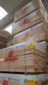 Laubschnittholz, Besäumtes Holz, Hobelware  - FSC Buche Bretter, Dielen Italien Italien zu Verkaufen