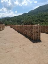 波斯尼亚与赫塞哥维纳 供應 - 劈切薪材 – 未劈切 碳材/开裂原木 榉木, 鹅耳枥, 橡木