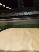 Veneer And Panels - Eucalyptus Rotary Cut Veneer, 1.5- 2.4 mm thick