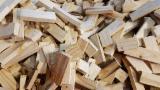 薪炭材-木材剩余物 薪碳材 开裂原木 - 劈好的薪柴-未劈的薪柴 薪碳材/开裂原木 红松, 云杉-白色木材