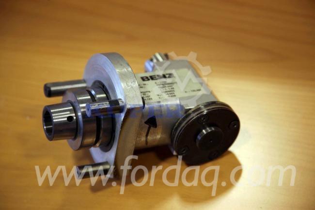 Верстати З ЧПУ - Інше Benz HSK 63 F Б / У Німеччина Для Продажу