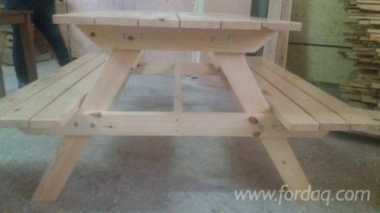 Vend Tables De Bar Design Résineux Européens Pin (Pinus Sylvestris) - Bois Rouge, Epicéa (Picea Abies) - Bois Blancs