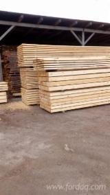 Rășinoase  Cherestea Tivită, Lemn Pentru Construcții De Vânzare - Vand Cherestea Tivită Pin Rosu 25-75; 40-200 mm