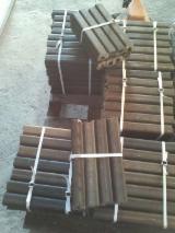 Firewood, Pellets And Residues - Pini Kay Oak Briquets