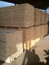 Softwood  Sawn Timber - Lumber Squares - Fresh Pine Squares 30-50 mm