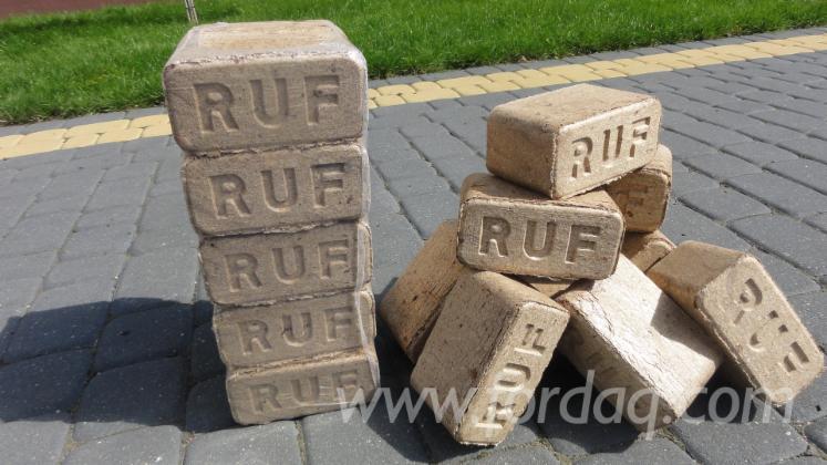 DINplus Beech / Oak Wood Briquets