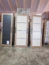 Compre E Venda Portas, Janelas E Escadas De Madeira - Junte-se À Fordaq Gratuitamente - Portas Pinus - Sequóia Vermelha Roménia