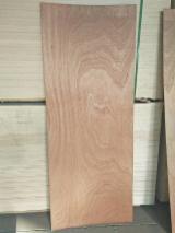 Okoume/ Sapelli Laminated Door Skin Plywood Panels