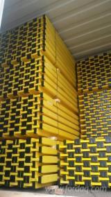 Drewno Iglaste  Drewno Klejone Warstwowo – Elementy Drewniane Łączone Na Mikrowczepy Na Sprzedaż - Deskowania Belki, Sosna Zwyczajna  - Redwood