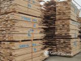Hardwood  Sawn Timber - Lumber - Planed Timber For Sale - European oak plank edged, fresh cut 29x143 mm