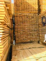 Tarcica Na Sprzedaż - Sosna Zwyczajna  - Redwood, 30 - 90 m3 na miesiąc