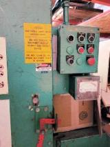 Finden Sie Holzlieferanten auf Fordaq - 325-1 (SW-011828) (Schleifmaschinen - Poliermaschinen - Sonstige)