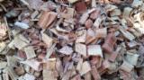 薪材、木质颗粒及木废料 取自森林之木芯片 - 木芯片 – 树皮 – 锯切 – 锯屑 – 刨削 取自森林之木芯片 桉树