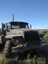 Oprema Za Šumu I Žetvu Kamion - Kamion Ural Polovna Ukrajina