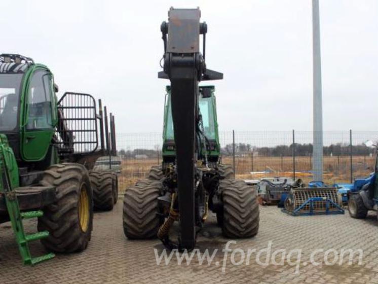 Maquinaria forestal y cosechadora